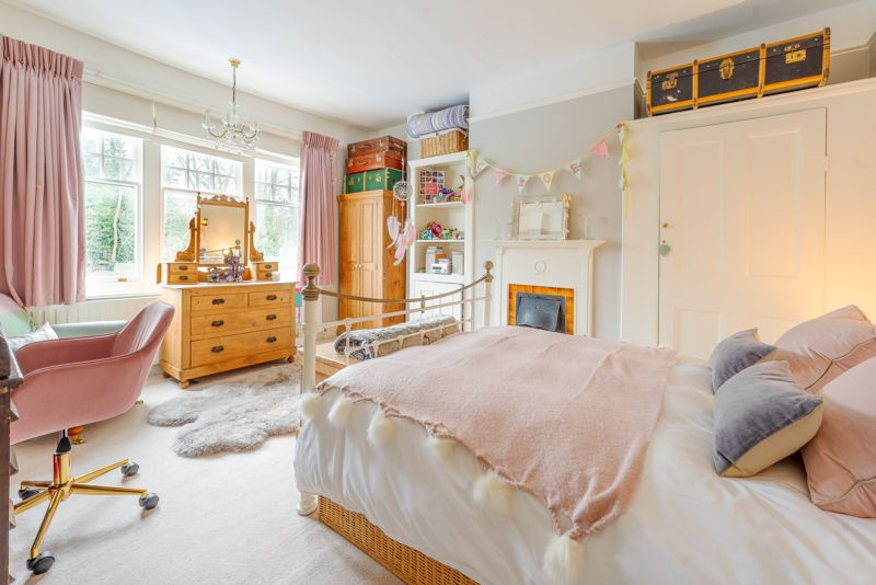 6 bedroom semi detached house SSTC in Sutton - Photo 25.