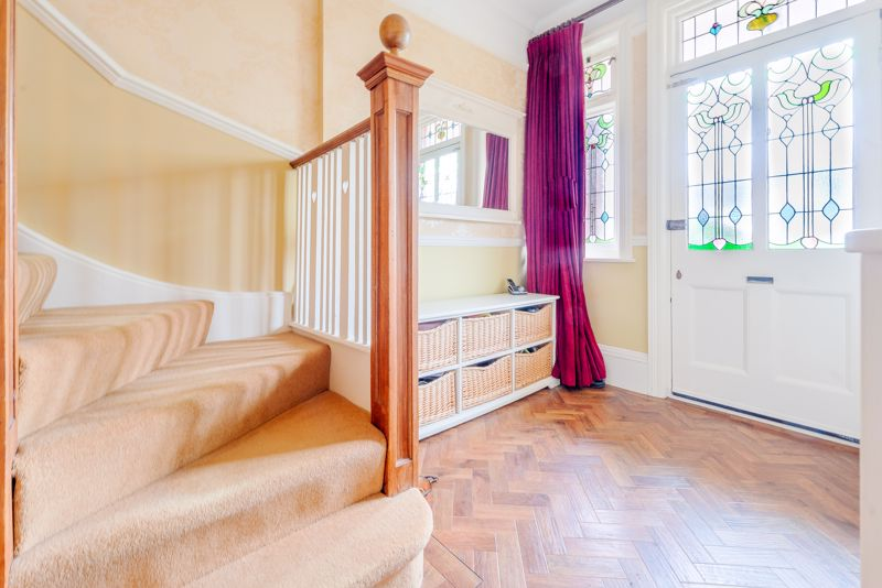 6 bedroom semi detached house SSTC in Sutton - Photo 37.