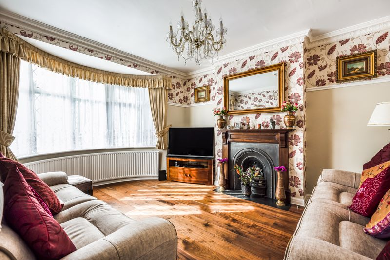 4 bedroom semi detached house SSTC in Sutton - Photo 2.
