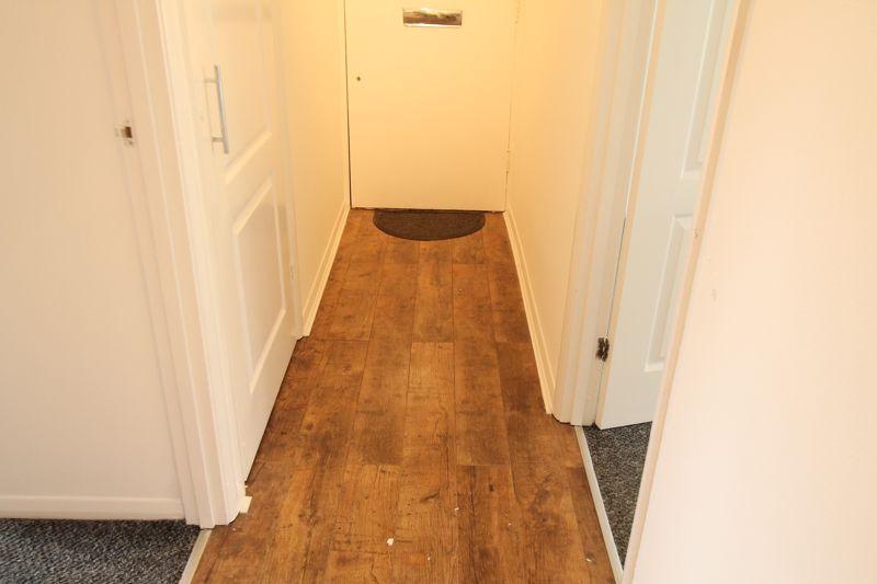 1 bedroom upper floor flat flat To Let in Sutton - Photo 1.