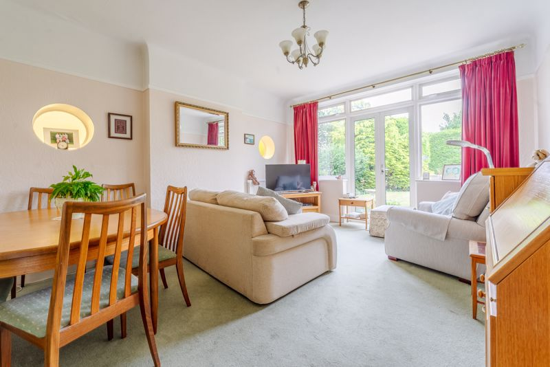 4 bedroom detached house Under Offer in Sutton - Photo 3.