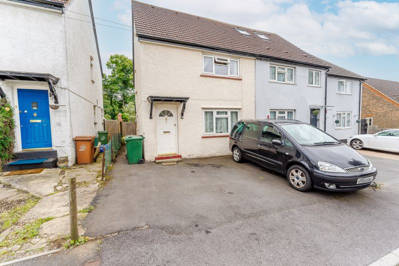 3 bedroom semi detached house For Sale in Sutton - Photo 10.