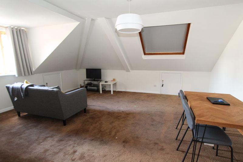 1 bedroom upper floor flat flat For Sale in Sutton - Photo 10.