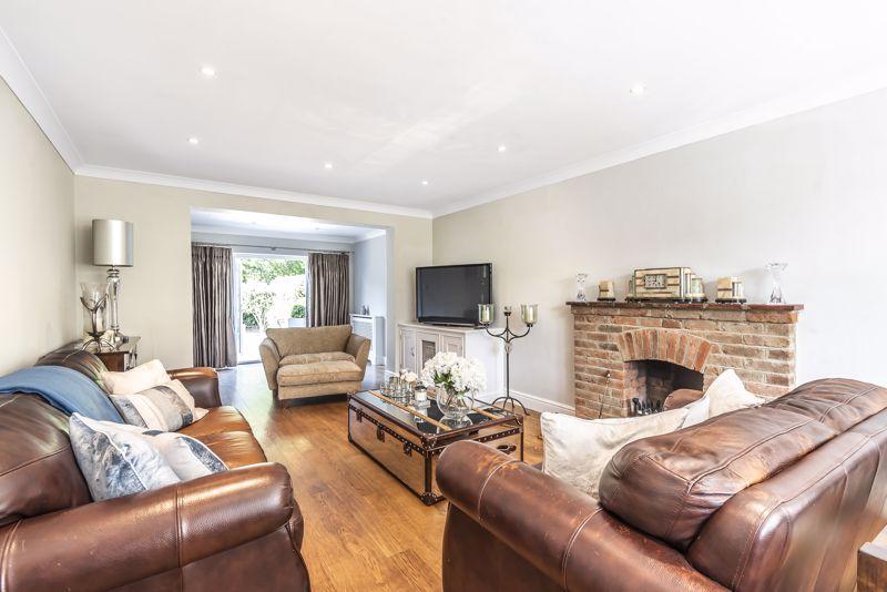 4 bedroom detached house Under Offer in Epsom - Photo 2.