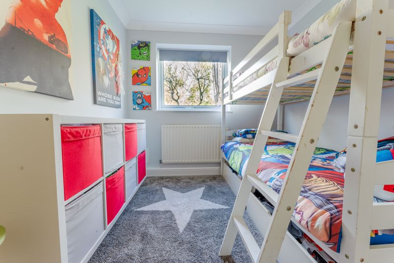 2 bedroom ground floor flat maisonette Let in Sutton - Photo 10.