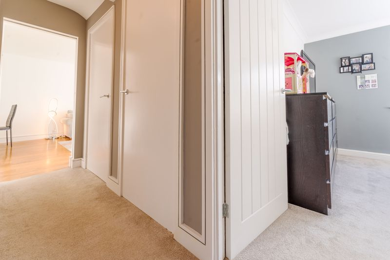 2 bedroom ground floor flat maisonette Let in Sutton - Photo 11.