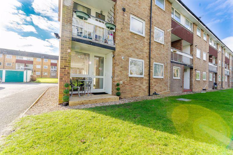 2 bedroom ground floor flat maisonette Let in Sutton - Photo 12.