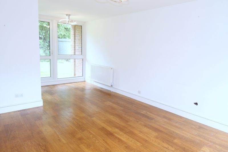 2 bedroom ground floor flat maisonette Let in Sutton - Photo 6.