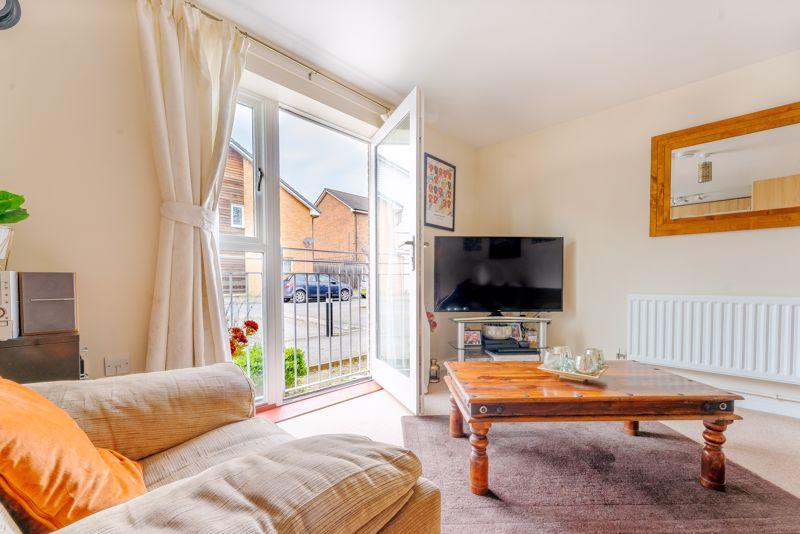 1 bedroom flat For Sale in Wallington - Photo 5.