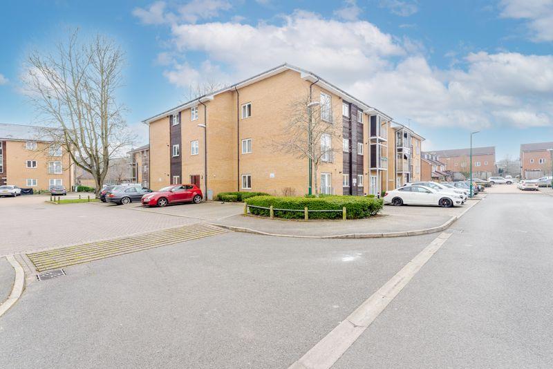 1 bedroom flat For Sale in Wallington - Photo 7.