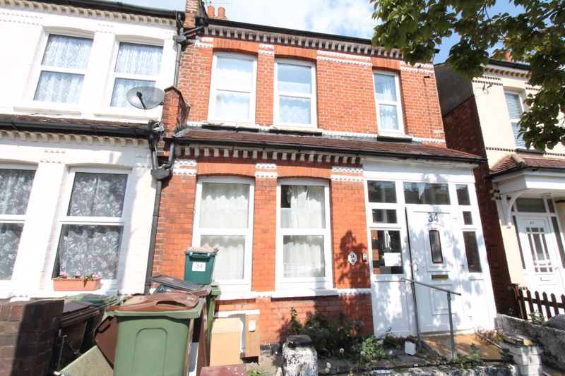 3 bedroom semi detached house Under Offer in Sutton - Photo 6.