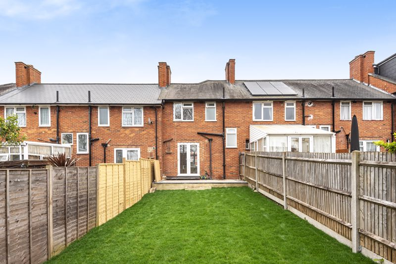 3 bedroom terraced house Let in Sutton - Photo 7.