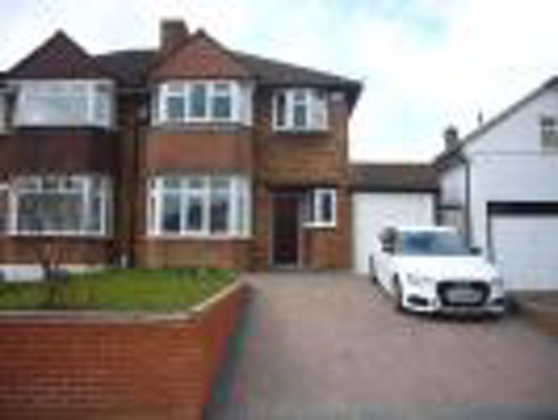3 bedroom semi detached house Let in Epsom - Photo 5.