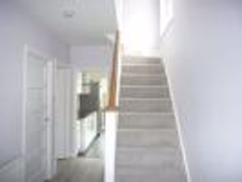 3 bedroom semi detached house Let in Epsom - Photo 7.