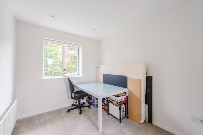 2 bedroom terraced house SSTC in Sutton - Photo 11.