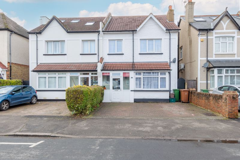 4 bedroom semi detached house Under Offer in Sutton - Photo 14.