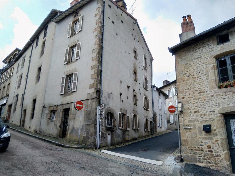 Historical building - four apartments