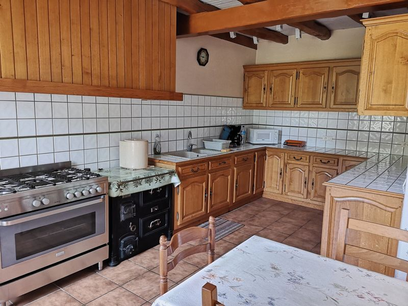 Four bedroom farmhouse in countryside setting with 1.37ha of attached land PLUS a pond!