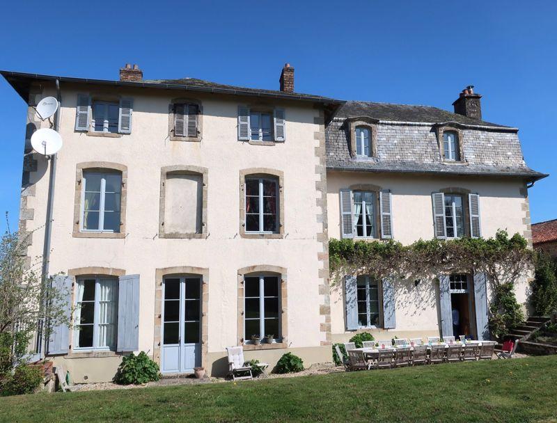Charming Chateau – 5 suites chambre d'hotes, 6 gîtes, 3 roulottes ...