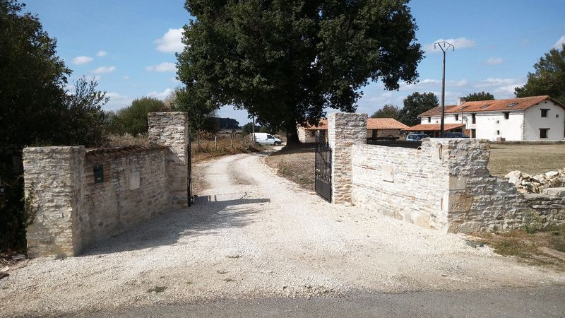 Perfect location for 3 bed farmhouse and one bed gite