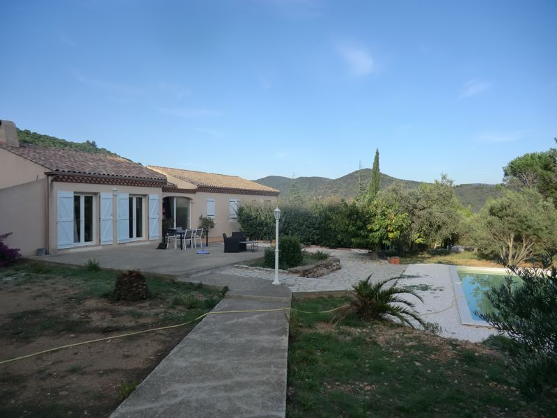 Well located spacious villa on edge of a lively village