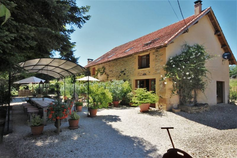 A great opportunity to acquire a well run holiday business including small campsite, gites and bed a