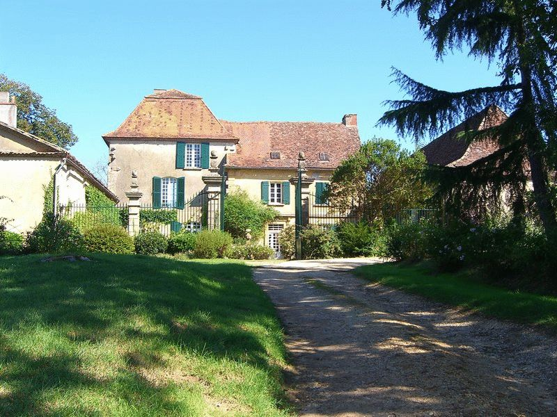 Superb château with outbuildings and views