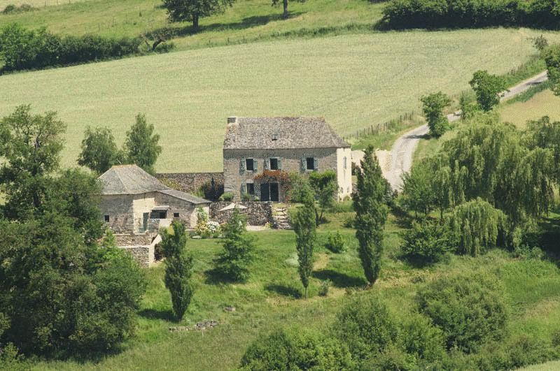 Immaculate country property with separate chambre des amis