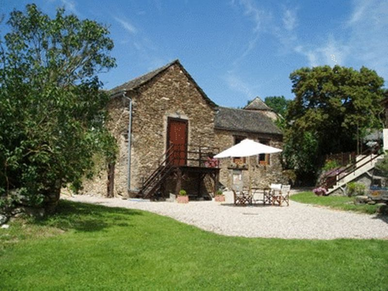 Charming stone house with gite and barns
