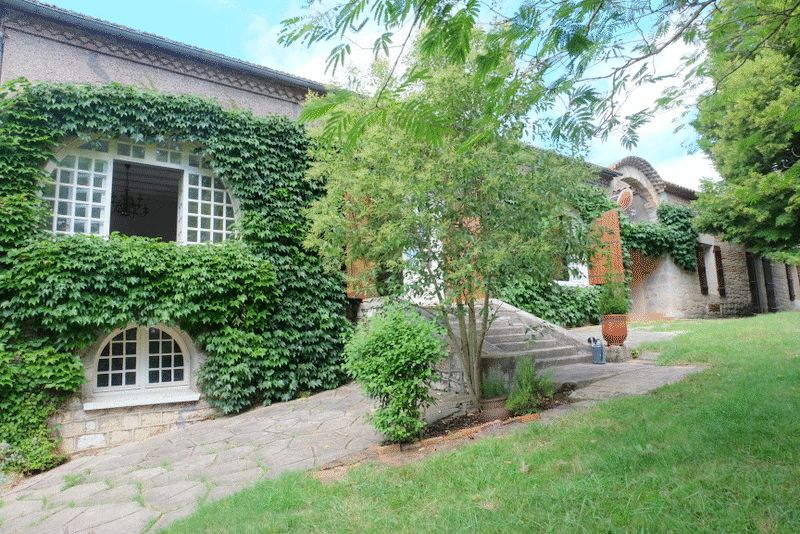 Spacious stone longere with secluded parkland and a pool