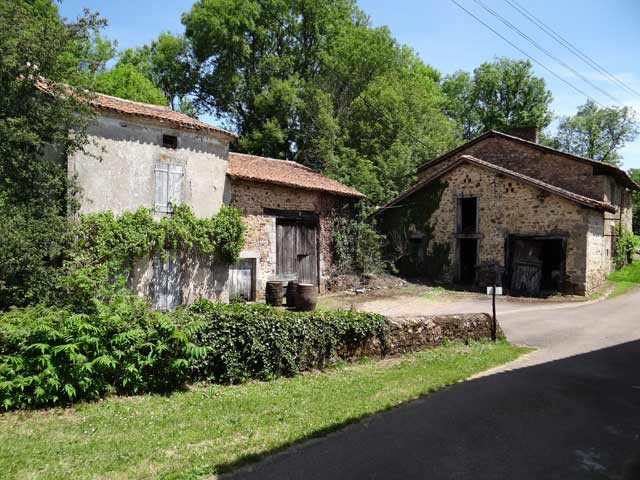Lovely renovation project: Old stone farmhouse in the Dordogne