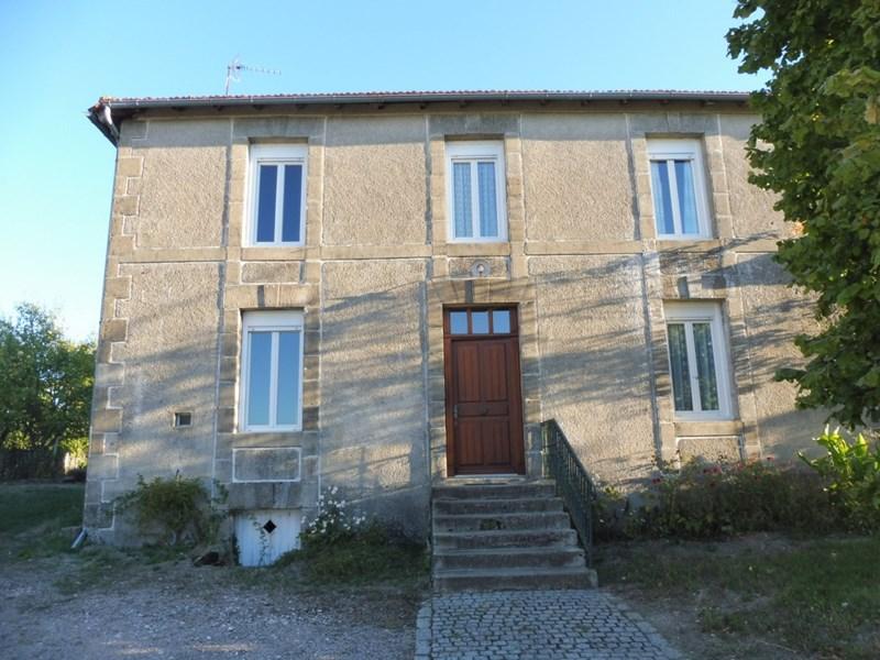 Stone house and barn close to amenities in North Dordogne, Green Perigord area