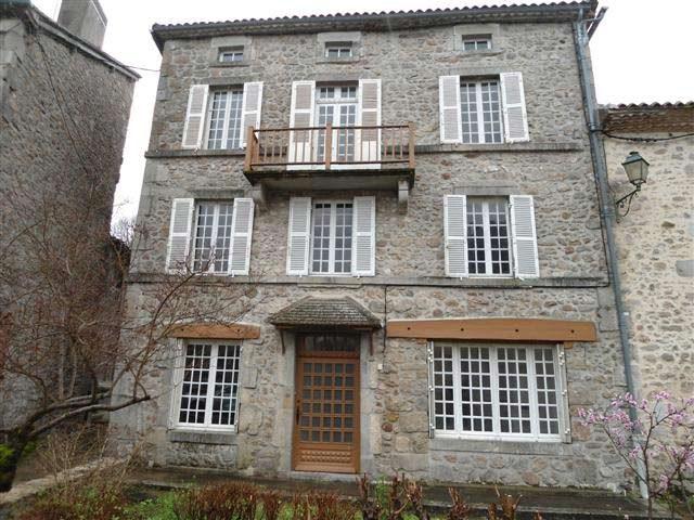 Two-storey village house with separate garden and garage in North Dordogne