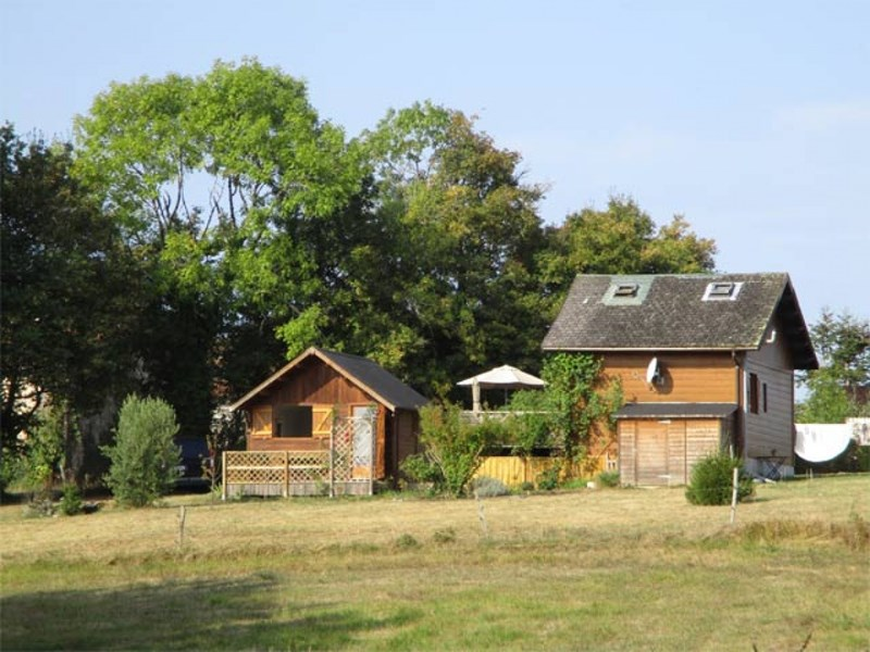 Perigord Vert, wooden chalet set on 2.995 m² of land, nice views