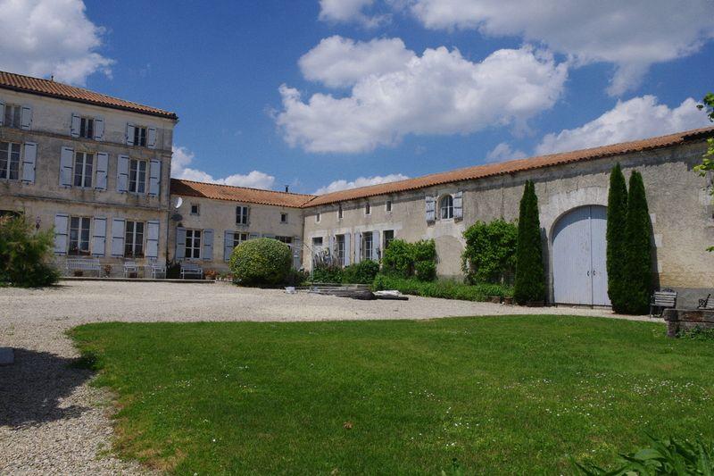 Magnificent Master's House, cottage, 12 acres