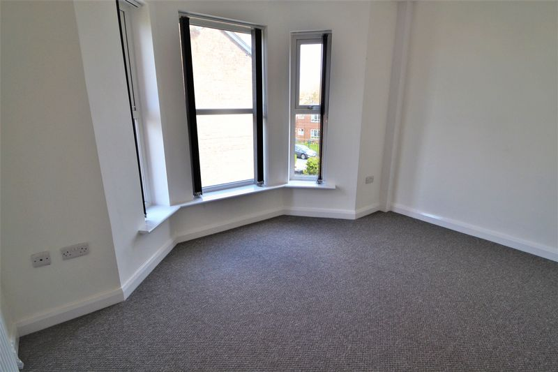 2 Bedroom Upper Floor Flat Flat To Rent - Photo 11