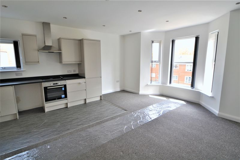 2 Bedroom Upper Floor Flat Flat To Rent - Photo 13