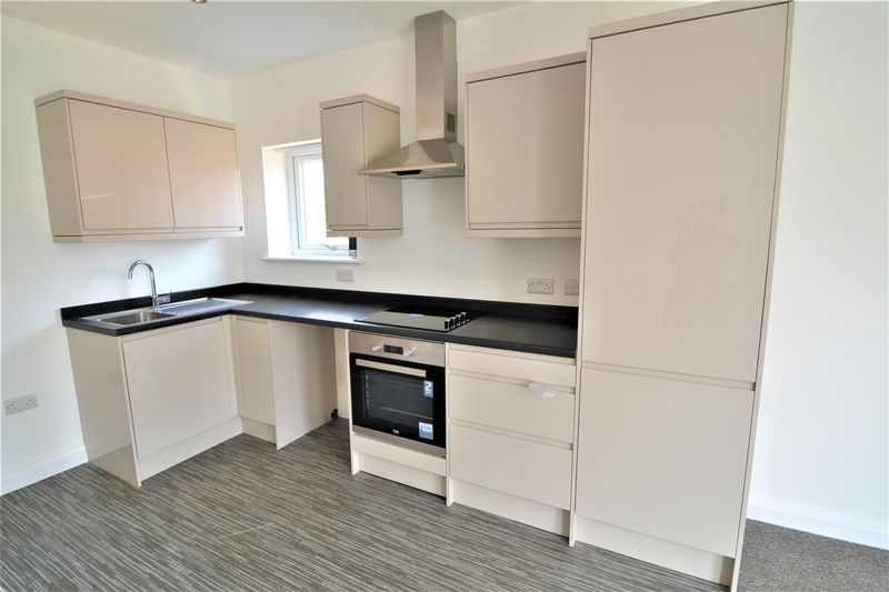 2 Bedroom Upper Floor Flat Flat To Rent - Photo 6