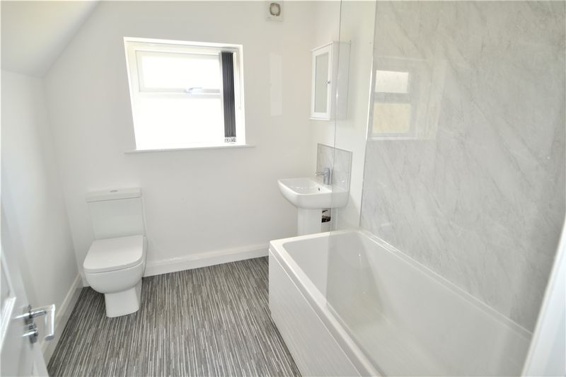 2 Bedroom Upper Floor Flat Flat To Rent - Photo 8
