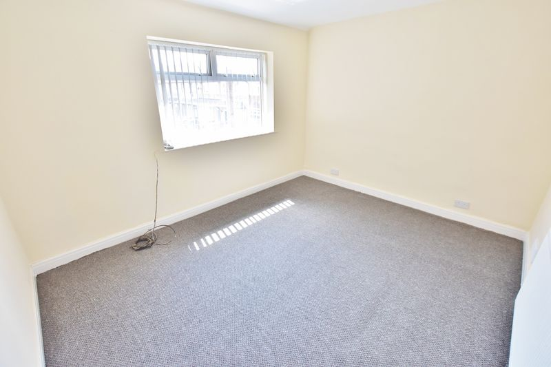 3 Bedroom Terraced House To Rent - Photo 7