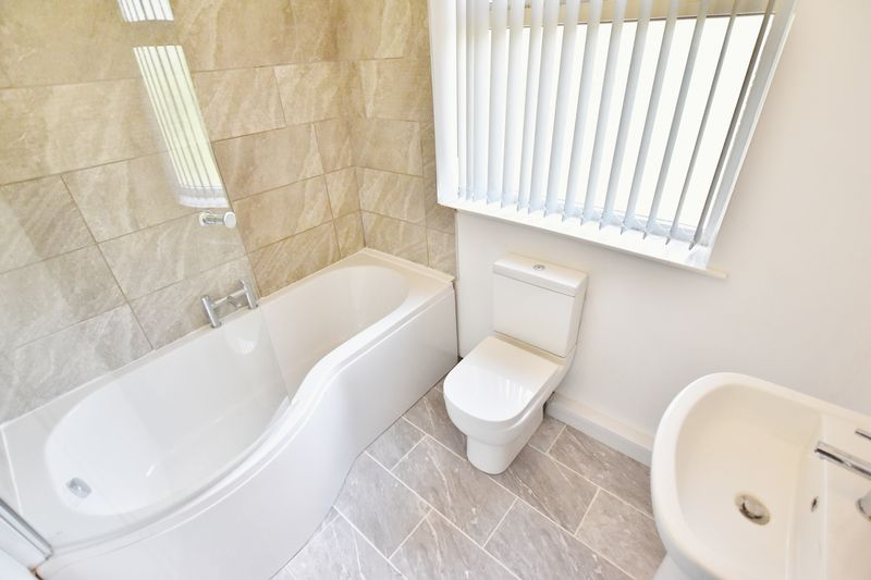 3 Bedroom Terraced House To Rent - Photo 8