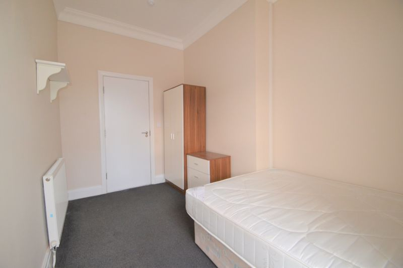 4 Bedroom Semi Detached House To Rent - Photo 26