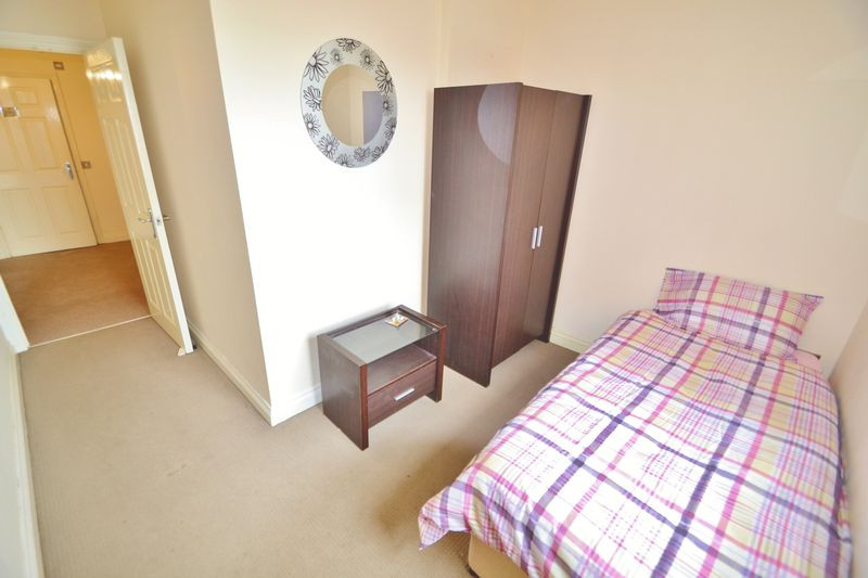 2 Bedroom Apartment Or Studio To Rent - Photo 5