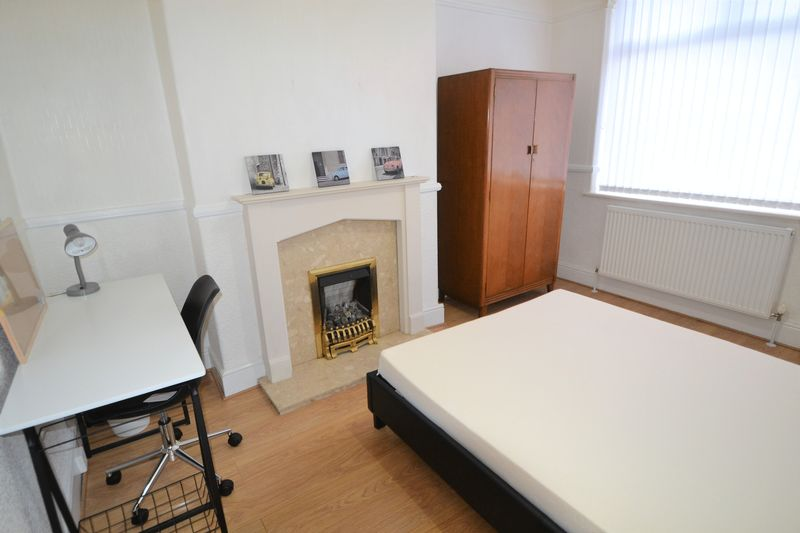 3 Bedroom Terraced House To Rent - Photo 10