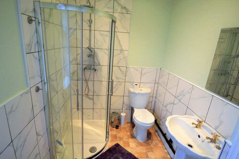 3 Bedroom Terraced House To Rent - Photo 4