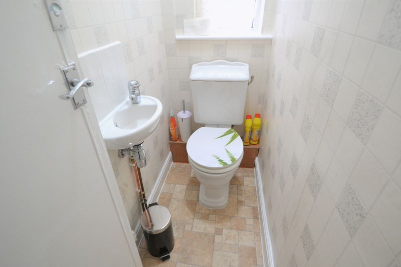 3 Bedroom Terraced House To Rent - Photo 5