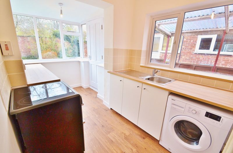 3 Bedroom Semi Detached House To Rent - Photo 3