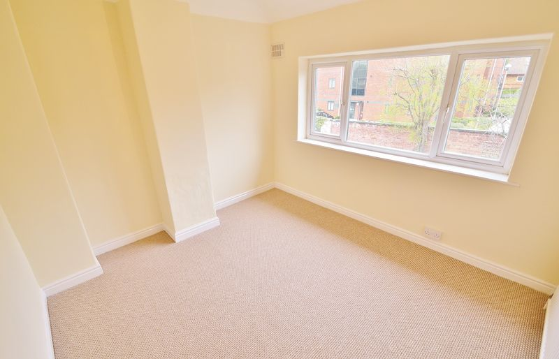 3 Bedroom Semi Detached House To Rent - Photo 6