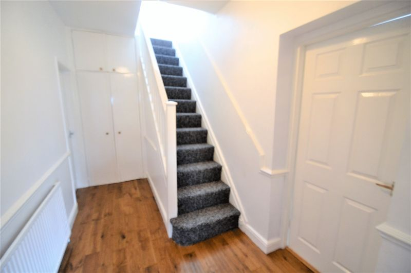 4 Bedroom Semi Detached House To Rent - Photo 2