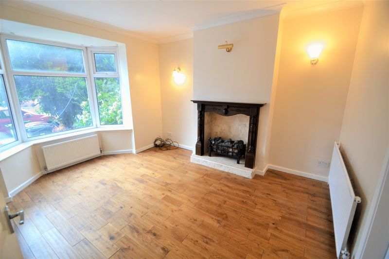 4 Bedroom Semi Detached House To Rent - Photo 12